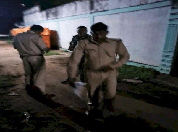 धनबाद: एमएलए ढुलू महतो के करीबी राजेश गुप्ता के निचितपुर घर पर फायरिंग, सीसीटीवी में कैद हुई घटना
