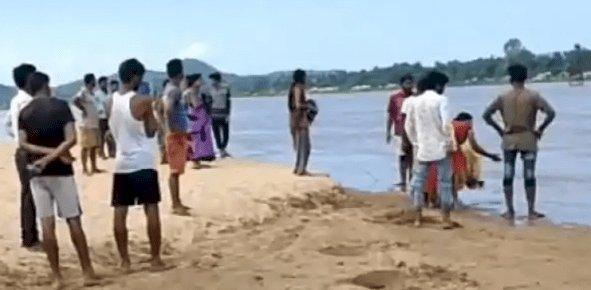 पलामू: कोयल नदी में तीन युवक बहे, एक का बॉडी बरामद