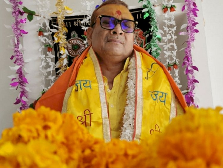 बिहार: पुलिस की नौकरी छोड़ पॉलिटिक्स में आने के बाद एक्स DGP गुप्तेश्वर पांडे अब अब अध्यात्म की दुनिया में