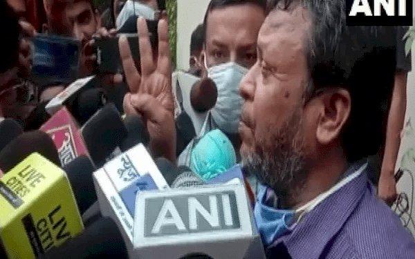 बिहार: CM नीतीश  व अफसरों के खिलाफ FIR दर्ज कराने के लिए थाने में घंटों डटे रहे आईएएस सुधीर कुमार