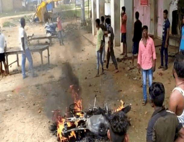 हजारीबाग: कटकमदाग में दो गुटों में टेशन, प्रतिबंधित पशु  मांस की सूचना पर आगजनी-तोड़फोड, ओसी घायल
