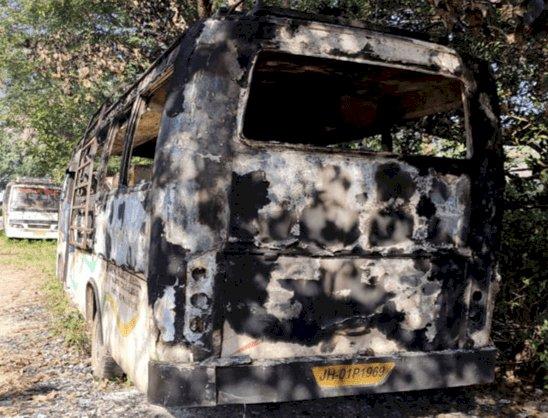 रांची: मुर्गा मांगने के विवाद में दामाद ने ससुर के बस में लगाई आग, बस में सोए व्योक्ति की मौत, आरोपी अरेस्ट